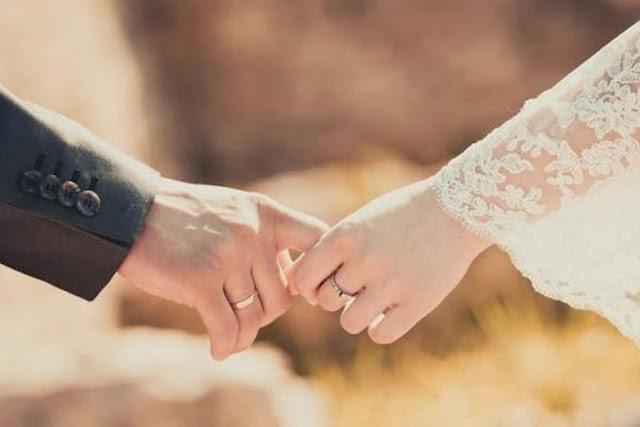 Romantislah Pada Pasanganmu, Sesungguhnya Allah Menyayangi Keluarga Romantis