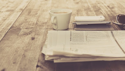 Teknologi dan Secangkir Kopi, koran, kopi