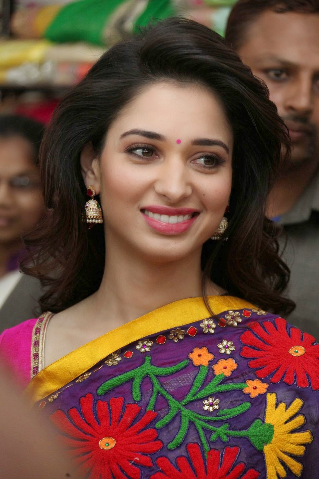 Tamanna Photo Gallery: Actress Tamanna Latest Stills In Saree