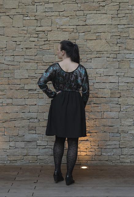 Sewing pattern Lou Box Dress 2 by Sew DIY back view