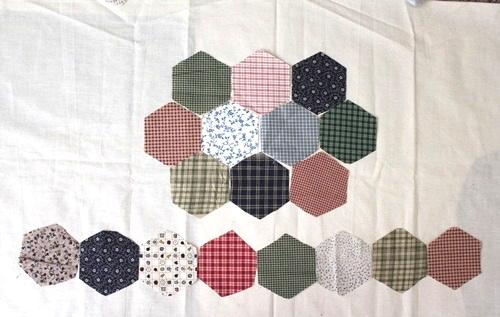 Hexagon patchwork hand bag. DIY tutorial in pictures.