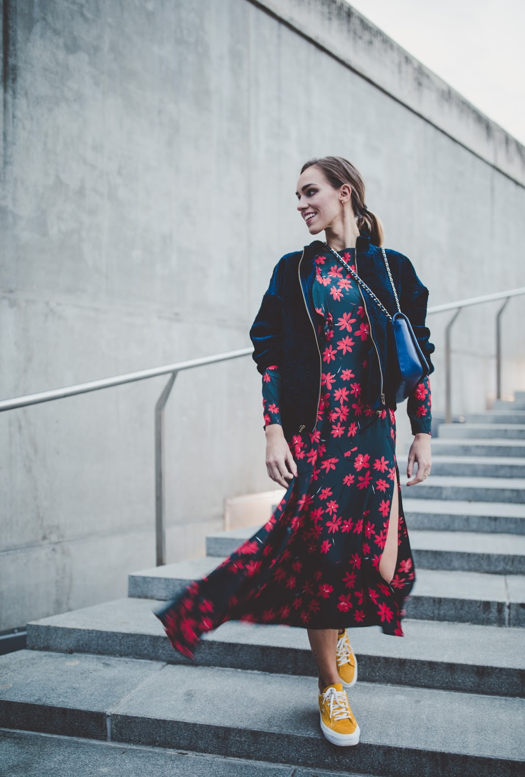 dark blue floral maxi dress fall outfit
