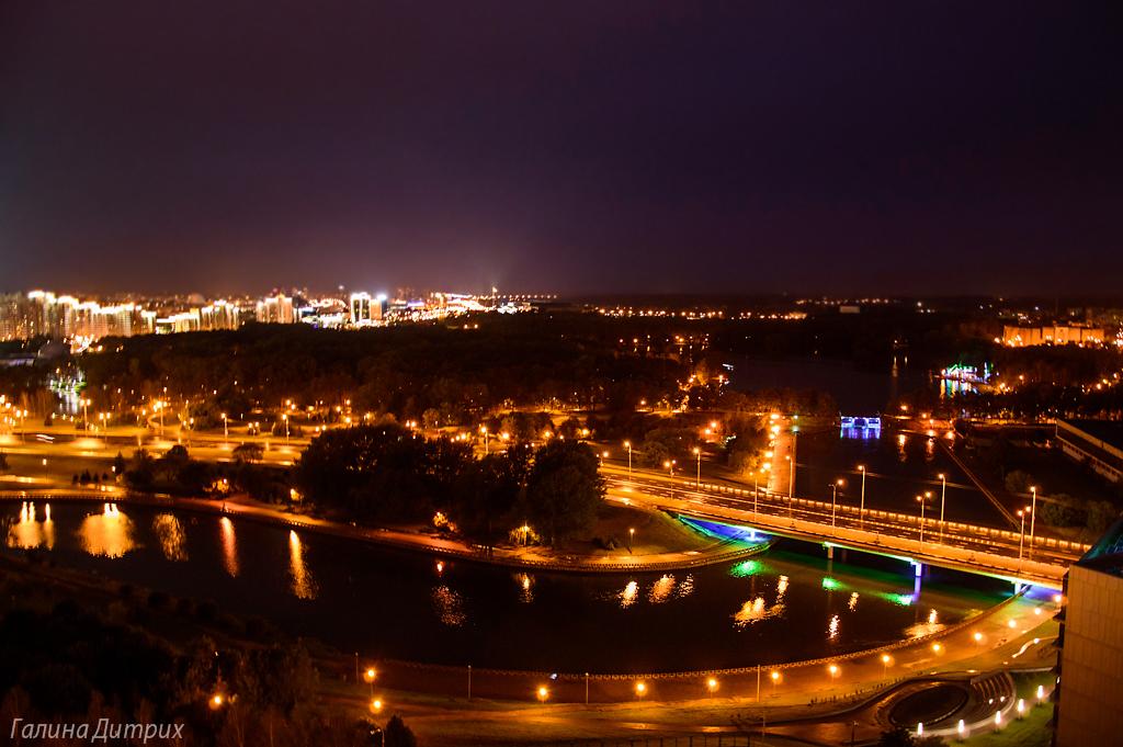 Ночные фото Минска с отеля Беларусь