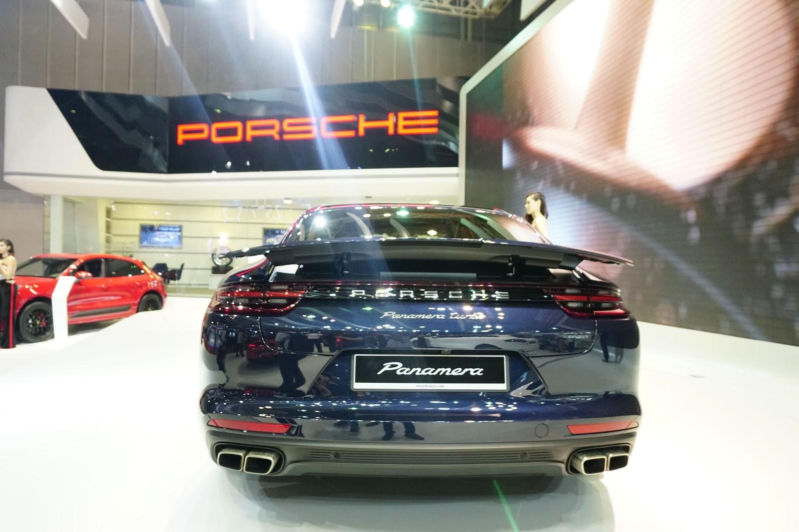Đuôi xe của Porsche Panamera 2017 thể thao, cá tính và đậm chất xe đua