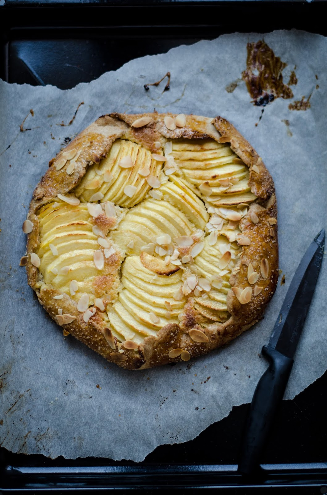 Tarte rustique pommes et amandes