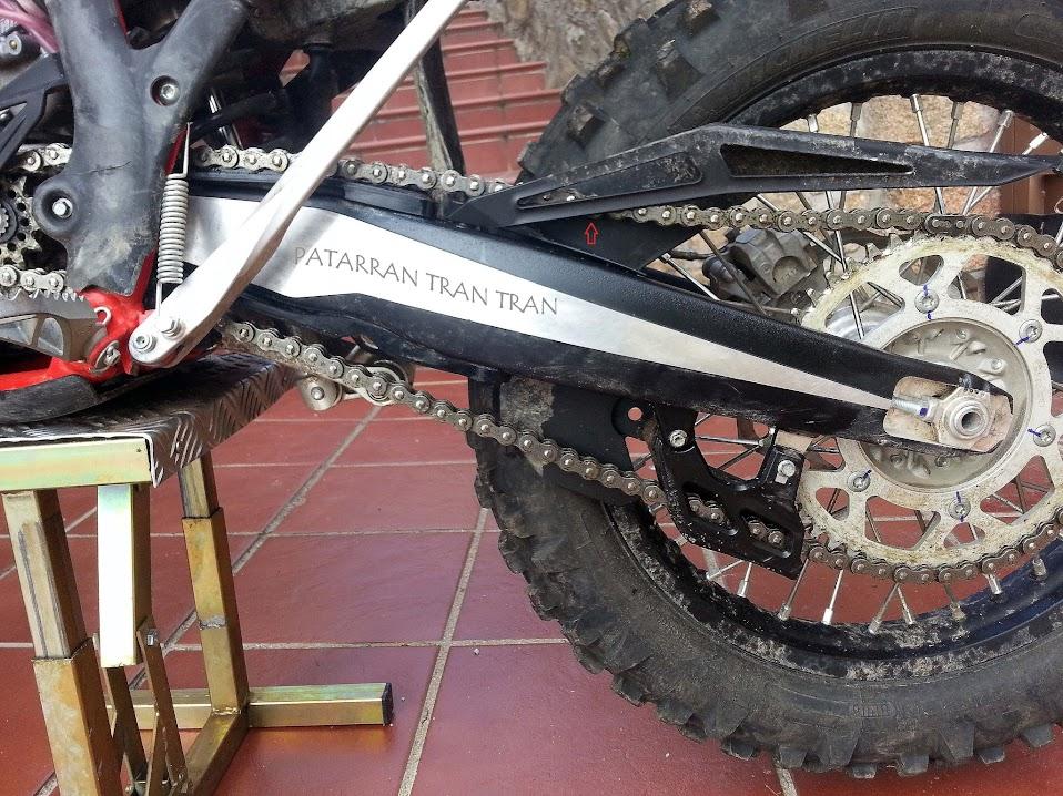 Beta RR 300. Tensión correcta de la cadena en una moto de enduro