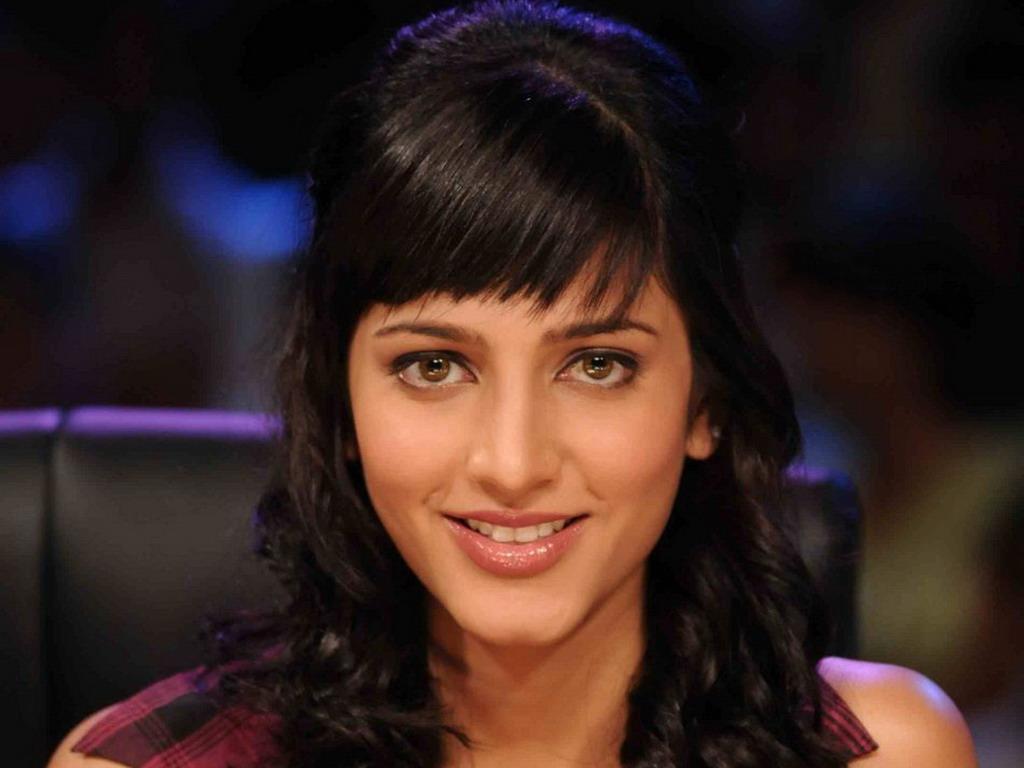 Shruti Hassan Bollywood Actress Wallpapers-6807