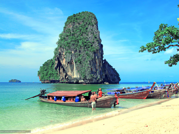 10 Reasons To Visit South East Asia