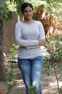 Actress Chandini in ed Tight Top at Ennodu Yilayadu tamil movie press meet ~  48.jpg