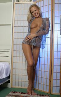 休闲无底女孩 - Mia%2BStone-S02-005.jpg