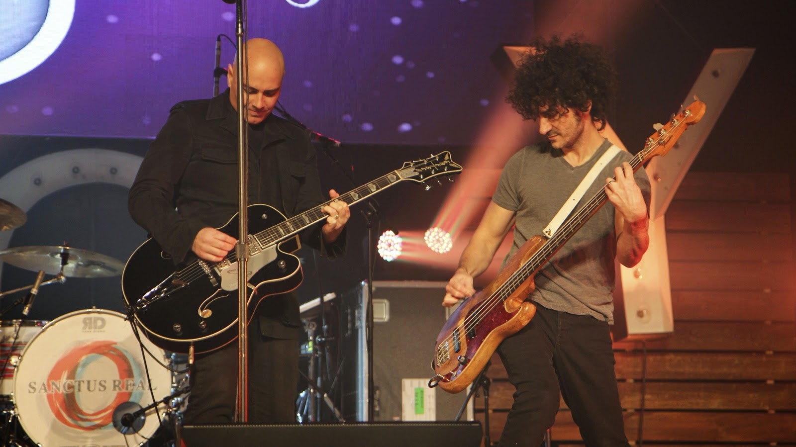 Peter Furler Band - Sun And Shield 2014 live performance with his band