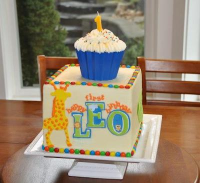 giant-cupcake-1st-birthday-smash-cake-giraffe-deborah-stauch