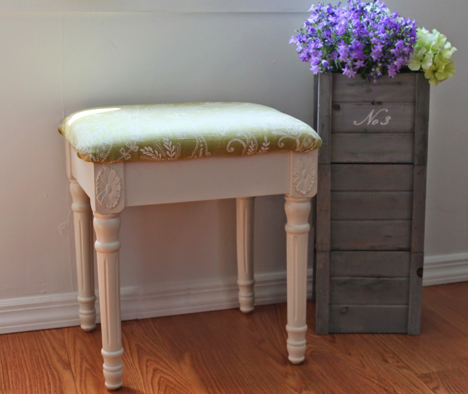 simple-reupholstered-bench-tutorial-for-the-beginner