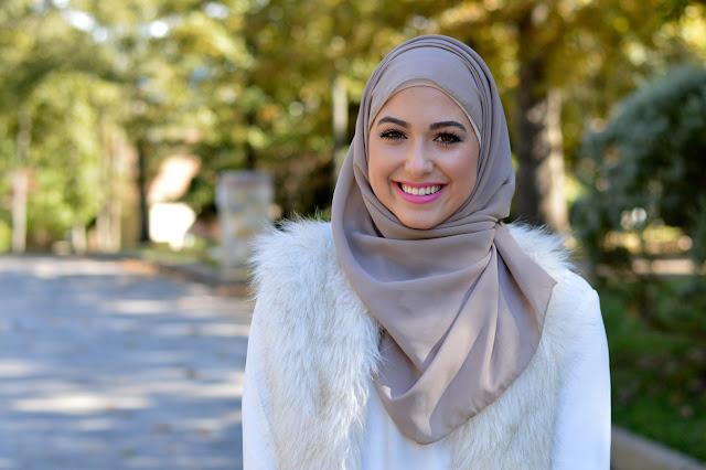 Puasa dibulan ramadan lebih dari sekedar kewajiban. Faktanya, berpuasa juga memberi manfaat besar bagi kesehatan, kecantikan dan bahkan manfaat bagi ibu hamil dan menyusui. Syaratnya, puasa harus dijalankan dengan benar dan sesuai tuntunan dalam Islam. Nah, berikut tips lengkap menjalankan puasa agar tak hanya berpahala namun juga bermanfaat bagi kesehatan, kecantikan, dan ibu menyusui yang dikutip dari berbagai sumber.