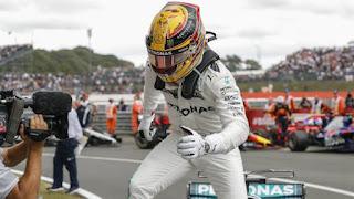 FÓRMULA 1 - Hamilton se da un festín en Silverstone para ponerse a 1 punto de Vettel en la clasificación