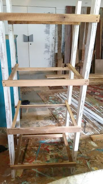 farmhouse shelf, DIY, rustic shelf, salvaged wood, http://goo.gl/CQsXQJ