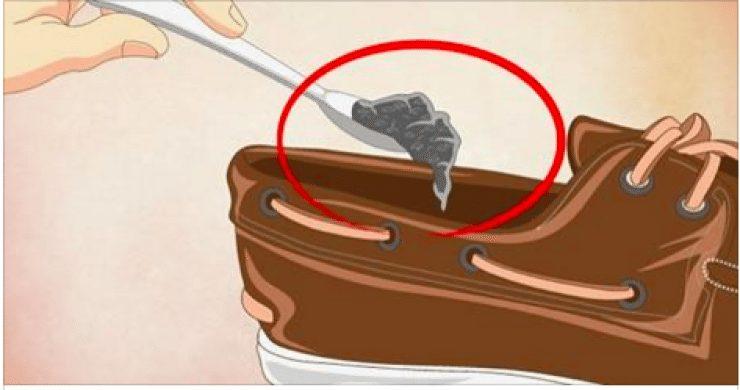 خطوة بسبطة لن تكلفك شئ ستمنع طيلة عمر الحذاء من الرائحة الكريهة وقدمك أيضا من الرائحة النفاذة