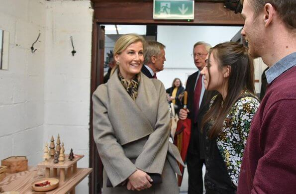 Countess of Wessex visited Sylva Foundation and Footsteps Centre in Oxfordshire. The Countess wore cashmere and wool blend coat