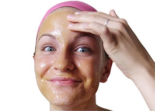 5 Khasiat / Manfaat Madu Untuk Wajah Flek Hitam , Bopeng Dan Jerawat Berikut Cara Membuat Maskernya