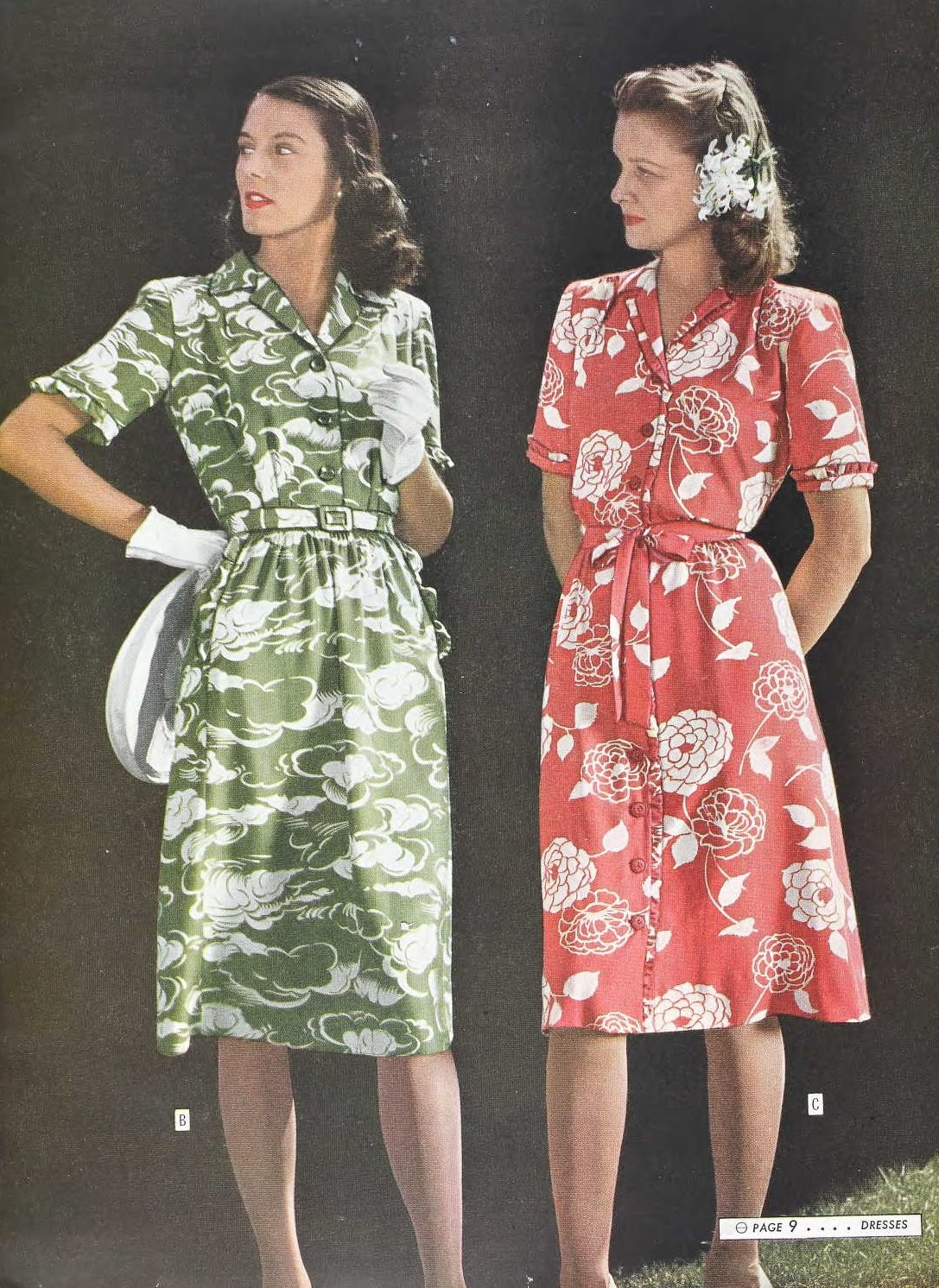 Snapped Garters: 1944 Fashions IN COLOUR