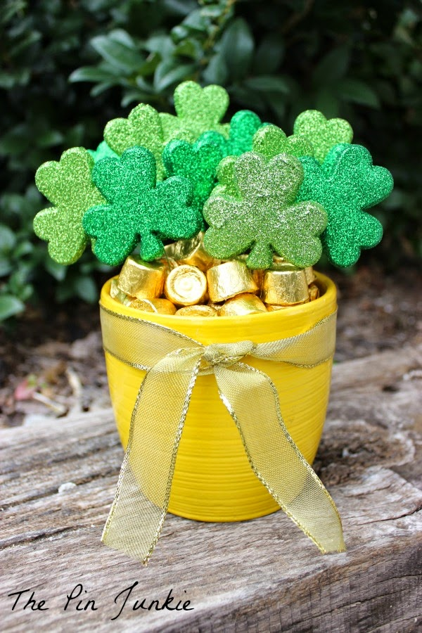 St. Patrick's Day Pot of Gold shamrocks