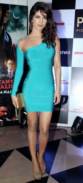 priyanka-chopra-showing-her-beautiful-legs-in-tight-blue-mini-dress