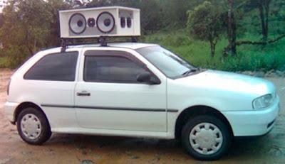 Carros de som só podem rodar se candidato estiver no veículo