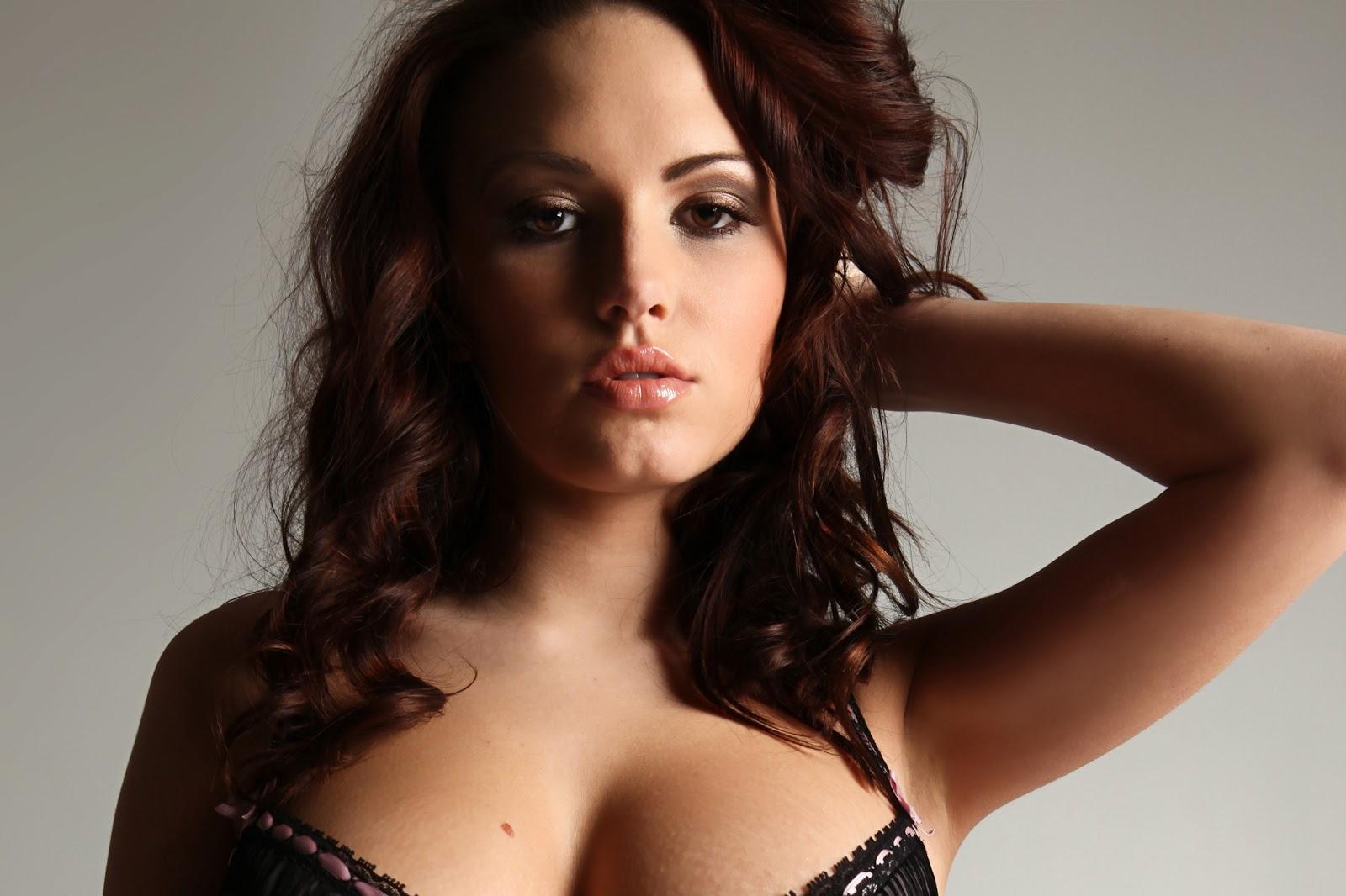 Tits Janova Nude Model Pic