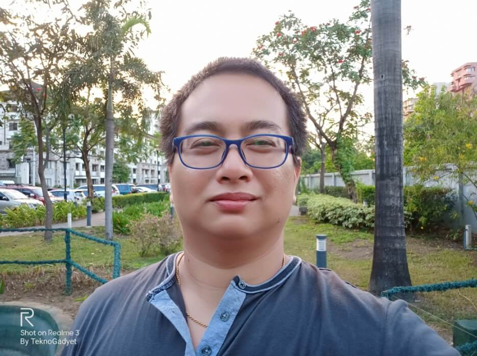 Realme 3 Front Camera Sample - Selfie with AI Beautification at Medium