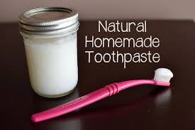 How-to-Make-Your-Own-Natural-Toothpaste-At-Home