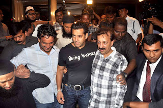 Salman Khan and Sanjay Dutt at Baba Siddique's Iftar party stills