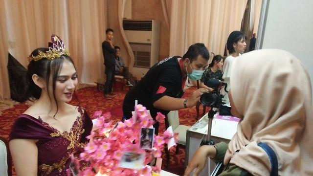 Handshake Terakhir, Fans Real Antri Sepanjang Kereta Api Demi Melody JKT48 !