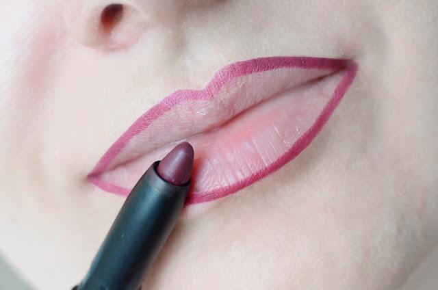 INGLOT AMC Lip Pencil Matte 33