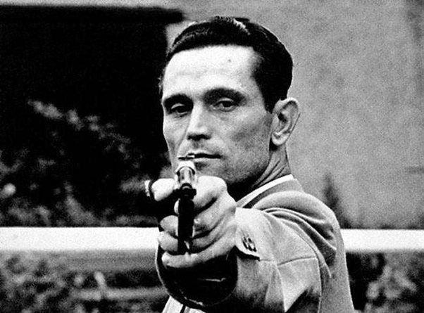 One hand shooter - Karoly Takacs