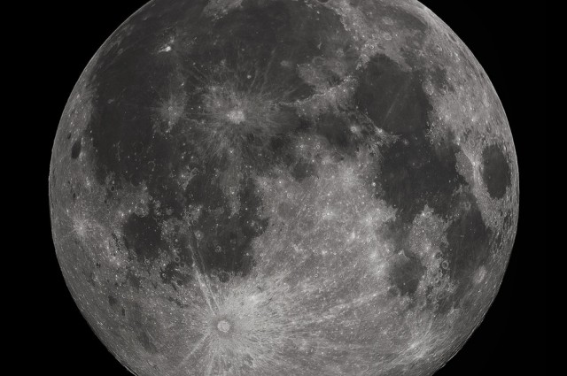 Dramatic Adjust in the Moon's Tilt May Help Us Trace the Source of Water on Earth
