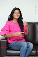 Telugu Actress Deepthi Shetty Stills in Tight Jeans at Sriramudinta Srikrishnudanta Interview .COM 0113.JPG