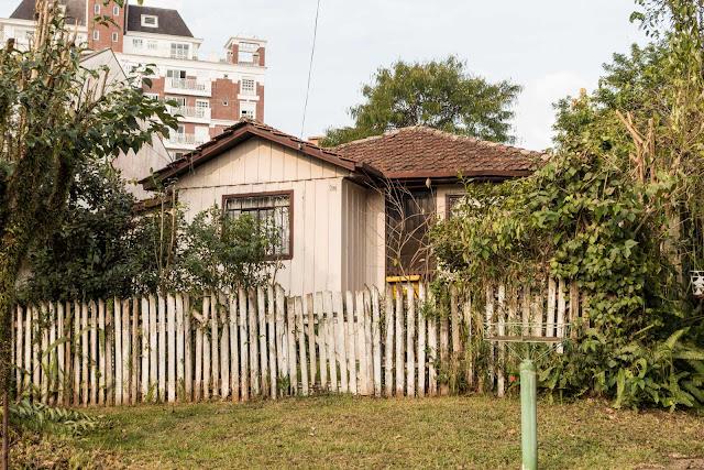 Outra casa de madeira em Curitiba