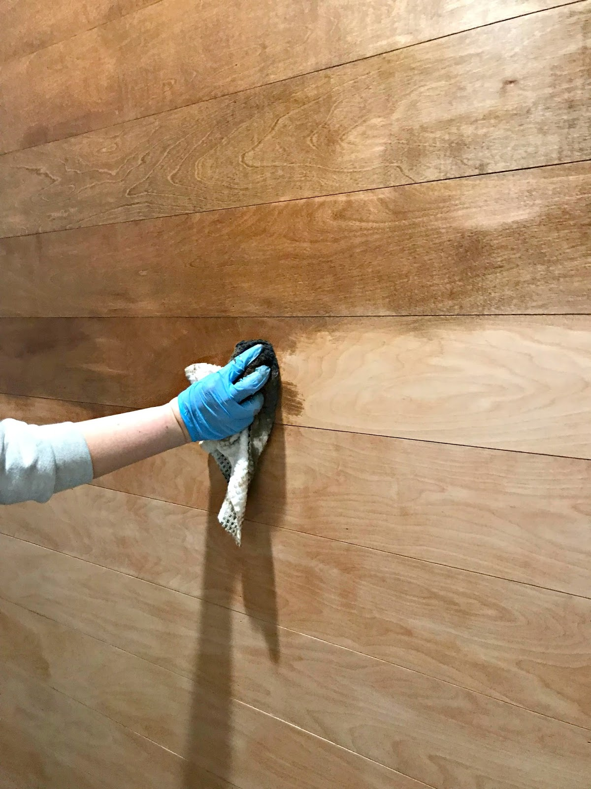 How to stain a vertical surface