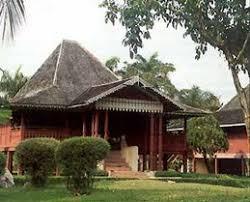 Keunikan-RUMAH-Adat-tradisional-rakyat-Bengkulu-Bumbungan-lima