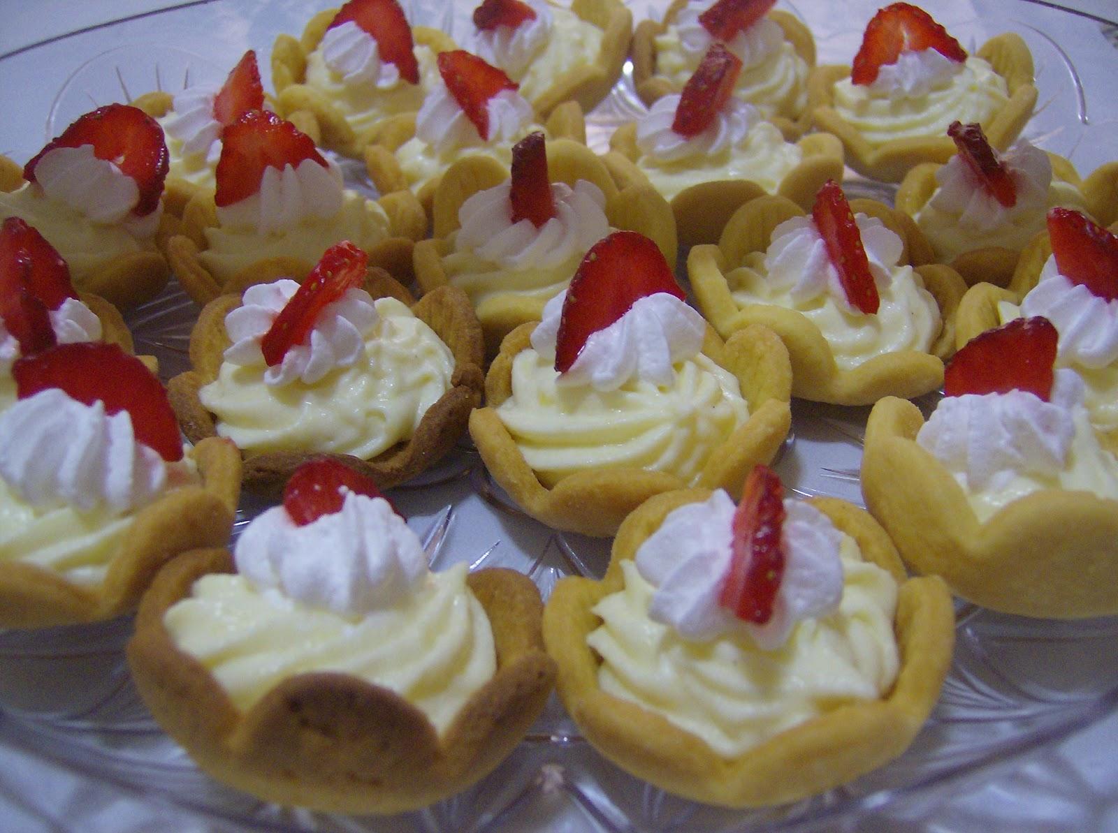 Sotto il Vesuvio....i dolci!: un buffet di dolci...mini