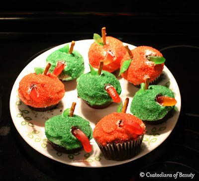Hungry Caterpillar Party | Cupcakes | by CustodiansofBeauty.blogspot.com
