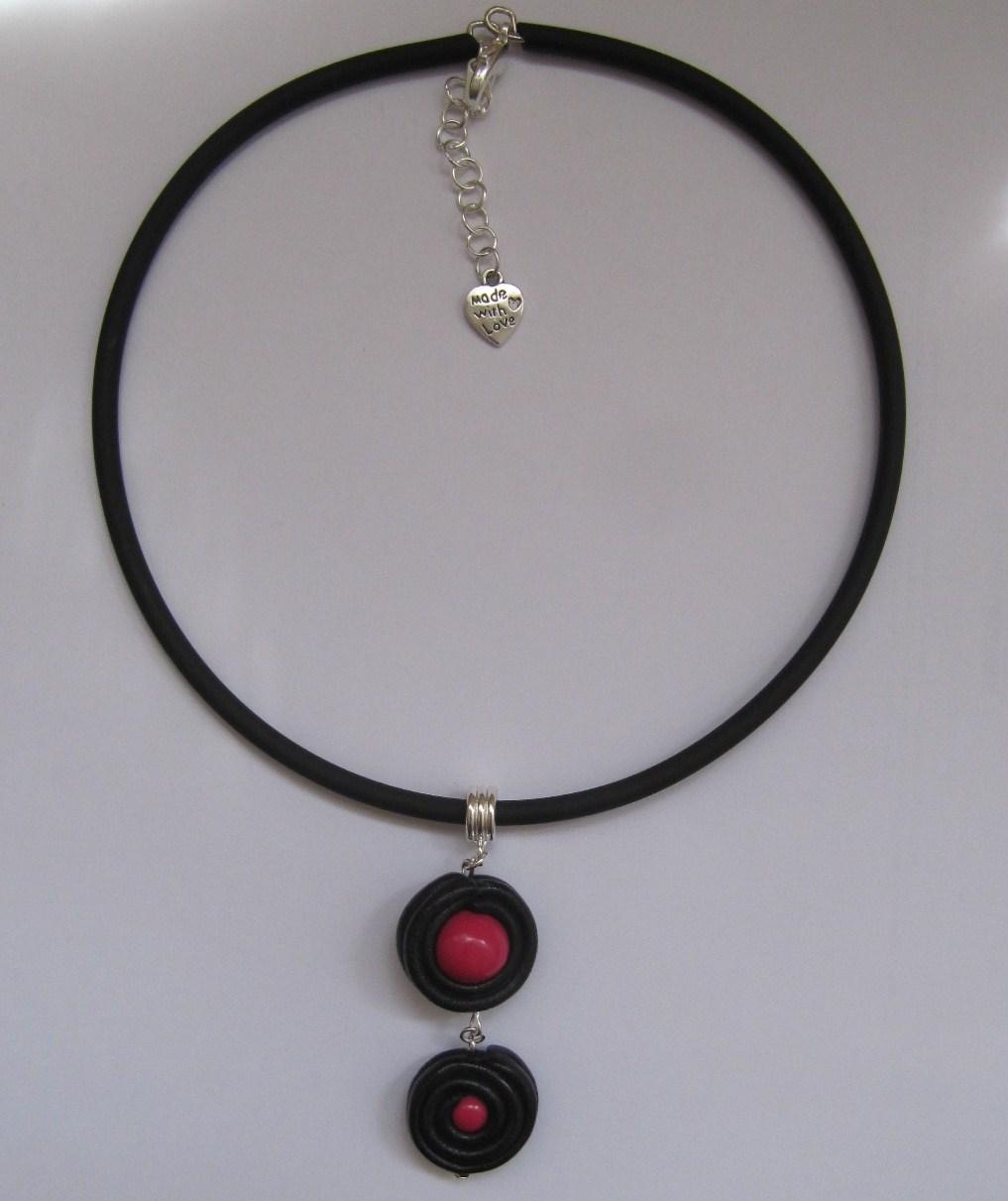 bijoux de cr ation en p te fimo collier rouleau r glisse et bonbon rose fimo. Black Bedroom Furniture Sets. Home Design Ideas