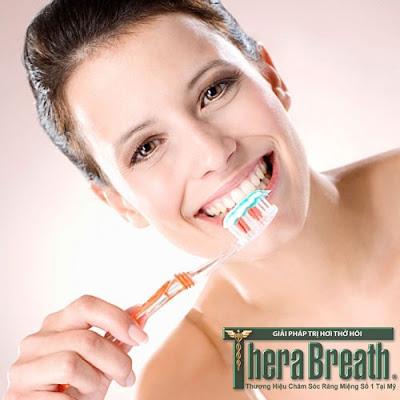 Vệ sinh răng miệng sạch sẽ giúp phòng tránh bệnh hôi miệng