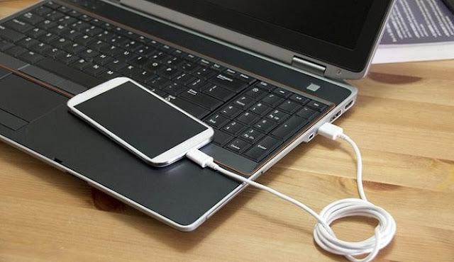 Jangan Terlalu Sering Mengisi Daya di mobil/laptop