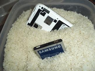 Tips ponsel kemasukan air