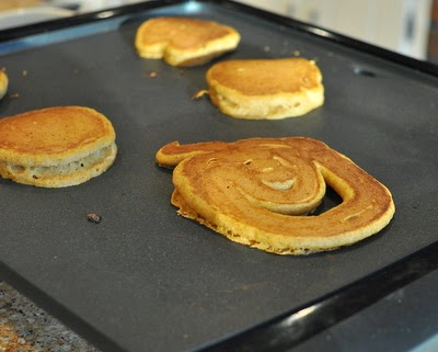 Pumpkin pancakes! Just one more reason to Make Tonight #PancakeNight.