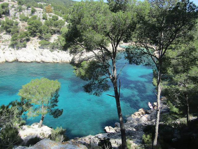 port-pin-plage-cassis