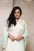 nithya menon new glam gallery-thumbnail-7