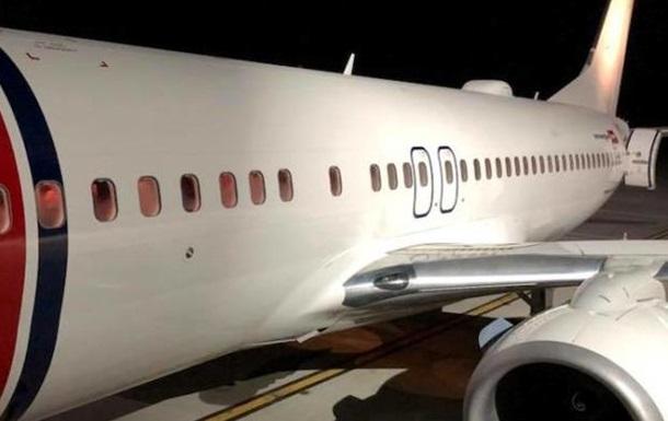 В аеропорту Львова екстрено сів літак