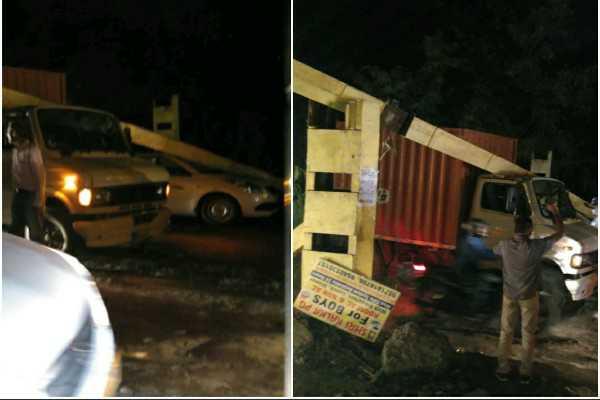 road-blocker-broken-greenfield-colony-faridabad-accident